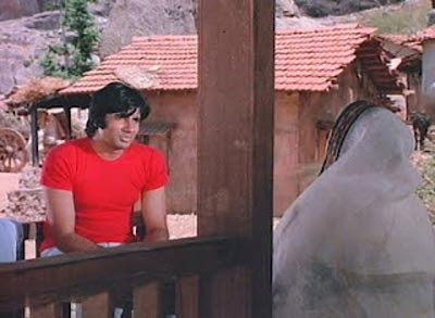 Amitabh's Jai talks to Basanti's mausi