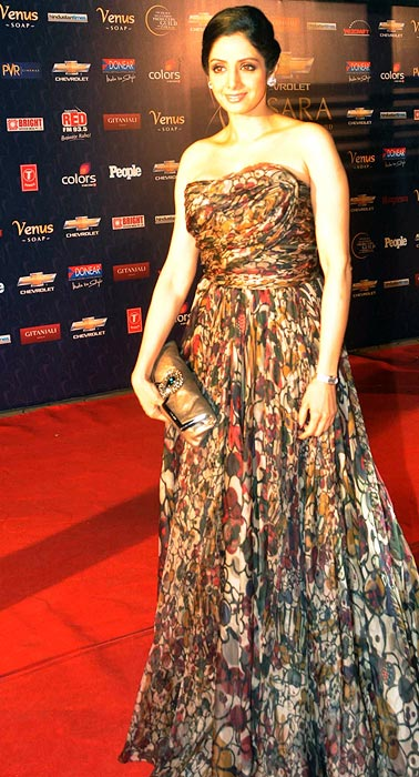Pix 40 Something And Looking Hot In Gowns Rediff Com