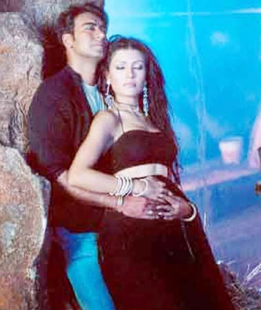Ajay Devgn and Koena Mitra in Insan