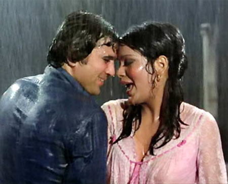 Rajesh Khanna and Zeenat Aman in Ajnabee