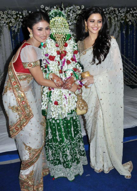 Mouni Roy and Aamna Sharif