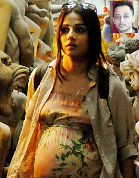 Vidya Balan in Kahaani. Inset: Director Sujoy Ghosh