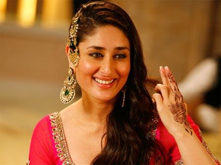 PIX: Bollywood gals love their jhumar! - Rediff.com Movies