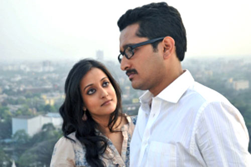 Raima Sen and Parambrata Chatterjee in Baishe Srabon