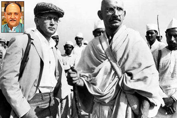 Martin Sheen, who played a New York Times reporter, with Gandhi during the Dandi March scenes. Inset: Alok Nath