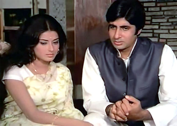 Moushumi Chatterjee and Amitabh Bachchan in Manzil