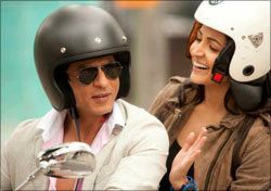 Shah Rukh Khan and Anushka Sharma in Jab Tak Hai Jaan