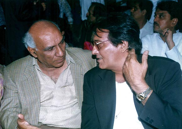 Yash Chopra and Vinod Khanna