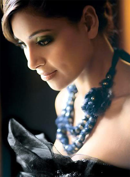 Bipasha Basu I Want To Die Sexy - Rediffcom Movies-2672