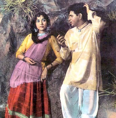 Vyjayantimala and Dilip Kumar in Ganga Jamuna