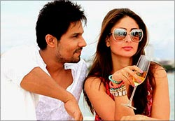 Randeep Hooda and Kareena Kapoor in Heroine
