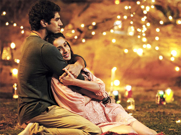 Aditya Roy Kapur and Shraddha Kapoor in Aashqiui 2