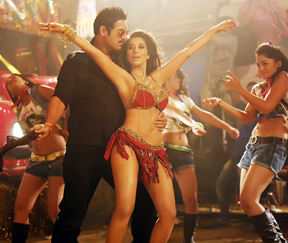 Sophie Choudry and John Abraham
