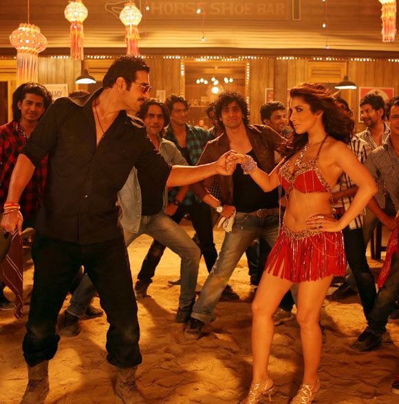 Sophie Choudry and John Abraham in Shooutout At Wadala