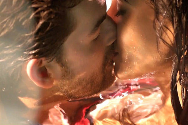 Neil Nitin Mukesh and Sonal Chauhan in 3G