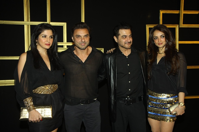 Maheep Kapoor, Sohail Khan, Sanjay Kapoor and Seema Khan