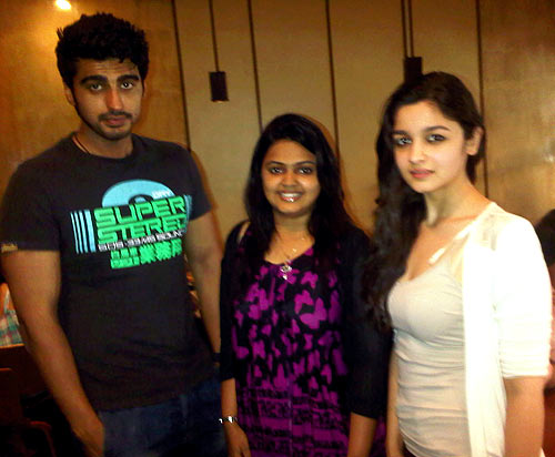 Arjun Kapoor and Alia Bhatt with a fan