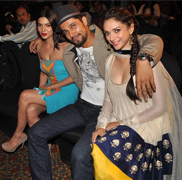 Aditi Rao Hydari with costars Randeep Hooda and Sara Loren