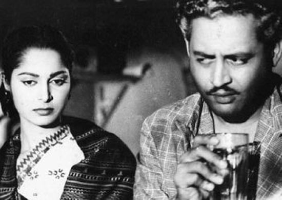Waheeda Rehman and Guru Dutt in Kagaz Ke Phool