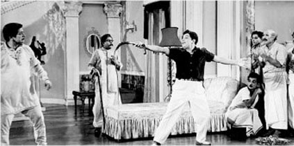 A scene from Enga veettu Pillai