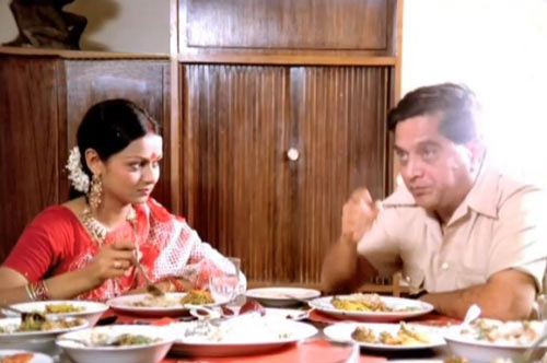 Zarina Wahab and Sriram Lagoo in Gharonda