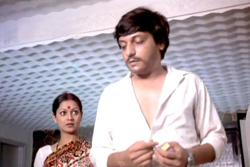 Zarina Wahab and Amol Palekar in Gharonda