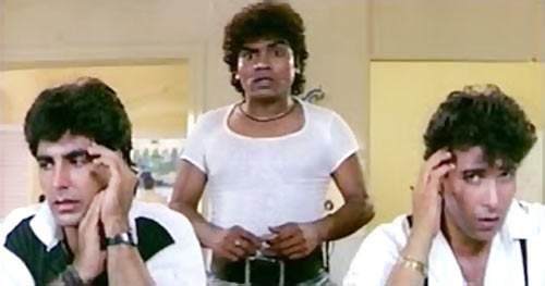 Akshay Kumar, Johnny Lever and Deepak Tijori in Khiladi