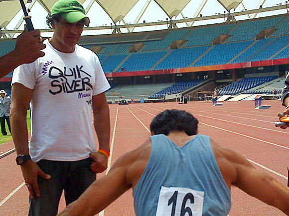 Farhan Akhtar trains with Samir Jaura