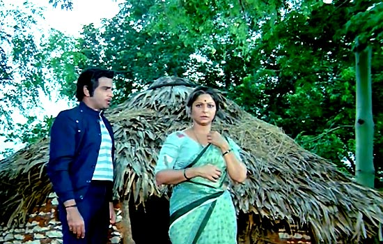 Jeetendra and Waheeda Rehman in Himmatwala