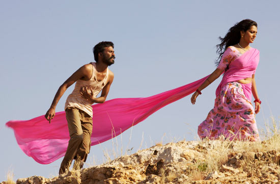 Dhanush and Parvathi Menon in Mariyaan