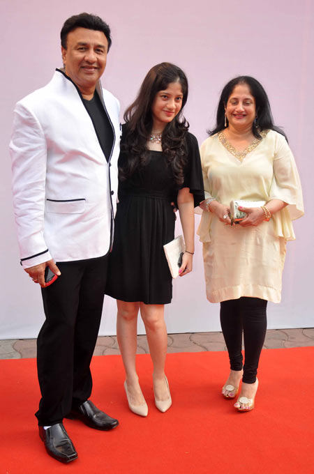 Anu Malik with daughter Anmol and wife Anju