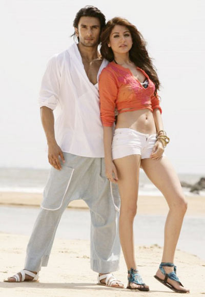 Anushka Sharma with Ranveer Singh in Ladies vs Ricky Bahl