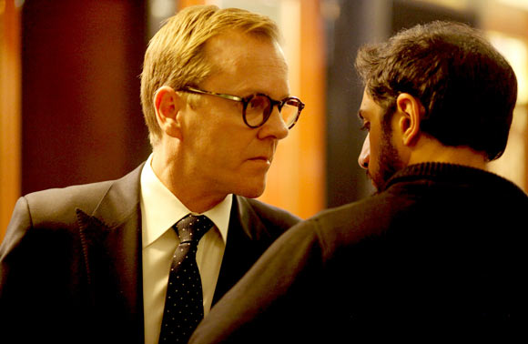 Kiefer Sutherland and Riz Ahmed in The Reluctant Fundamentalist