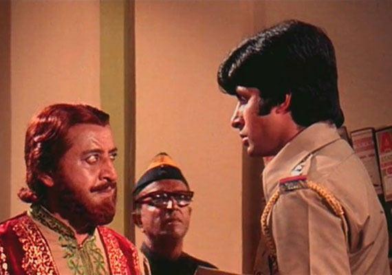 Why Amitabh needs to thank Dharmendra