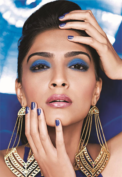 sonam is my favourite sonakshi has the best skin