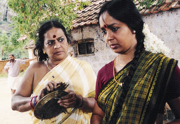 Sukumari and Thara Kalyan in Nizhalkuthu