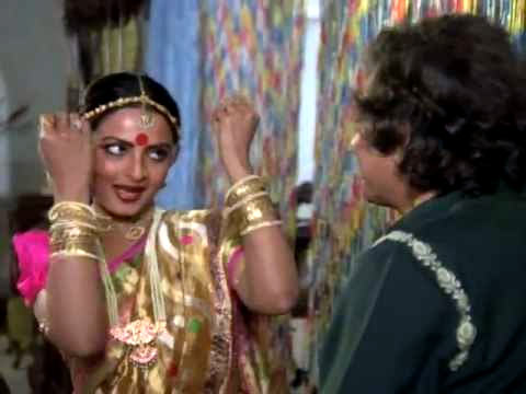Rekha and Vijay Anand in Ghungroo Ki Aawaz