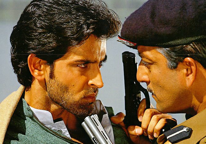 Hrithik Roshan and Sanjay Dutt in Mission Kashmir