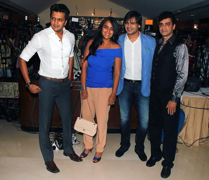 Riteish Deshmukh, Priyanka Alva, Vivek Oberoi and Indra Kumar at the party