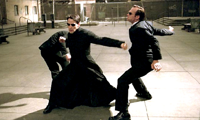 Keanu Reeves and Hugo Weaving in Matrix