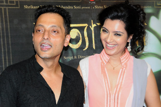 Sujoy Ghosh and Arpita Chatterjee at the film's premiere.
