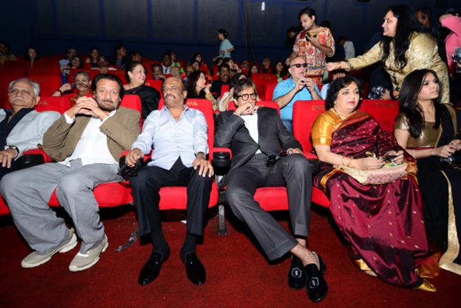 From Left to Right: Ramesh Sippy, Shekhar Kapur, Rajinikanth, Amitabh Bachchan, Latha Rajinikanth and Soundarya