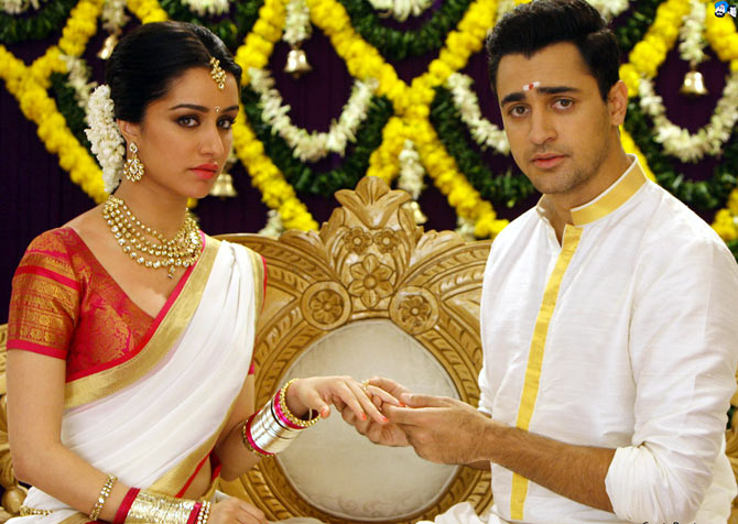 Shraddha Kapoor and Imran Khan in Gori Tere Pyar Mein