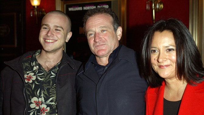 Robin Williams with son and wife
