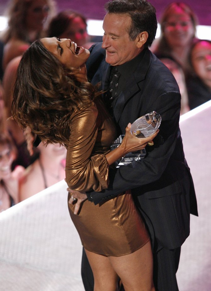 Robin Williams with Halle Berry