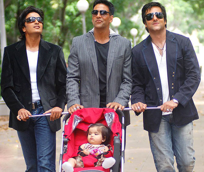 Riteish Deshmukh, Akshay Kumar and Fardeen Khan with baby Juanna Sanghvi in Heyy Babyy