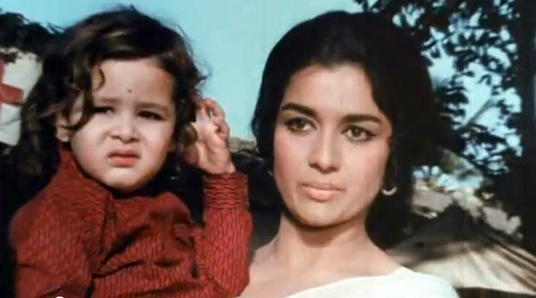 Baby Pooran and Asha Parekh in KatI Patang