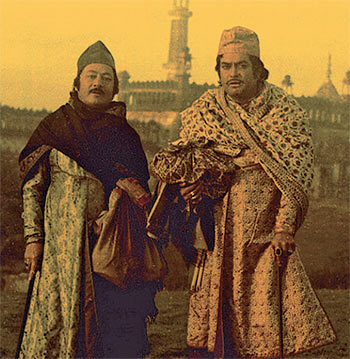 Saeed Jaffery and Sanjeev Kumar in Shtranj Ke Khilari