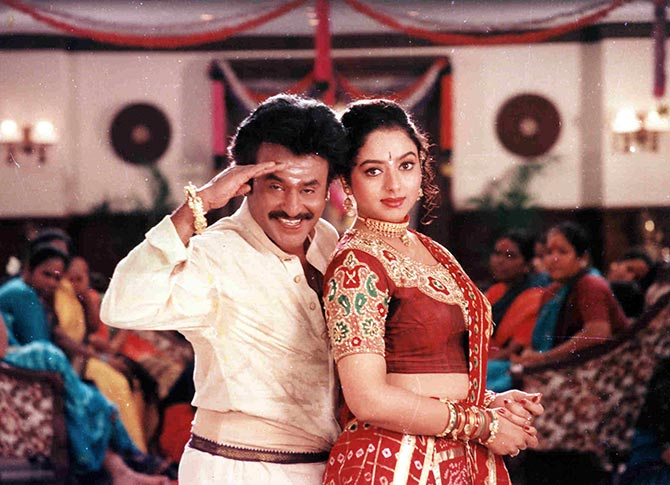 Rajiinikanth and Khushboo in Annamalai