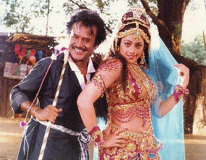 Rajinikanth and Meena in Muthu